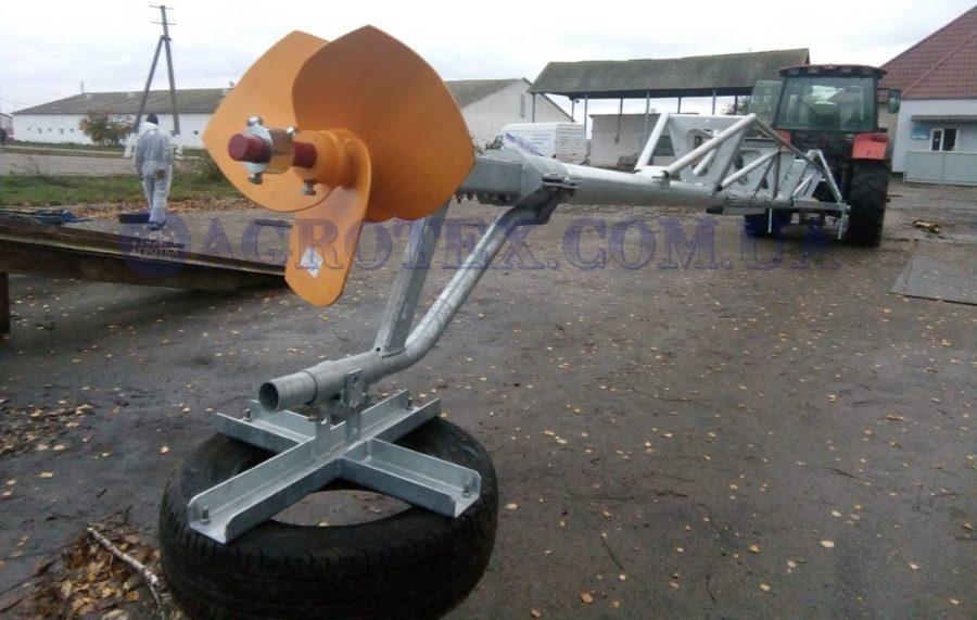 Міксер з приводом від ВВП трактора оснащений покришкою